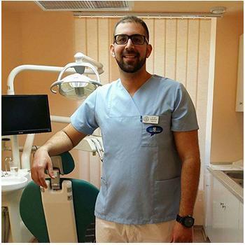 Dr. Darawsheh Ali Farid, Fogorvos